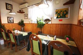 Restaurant 司 〒286-0043 千葉県成田市大袋654-8