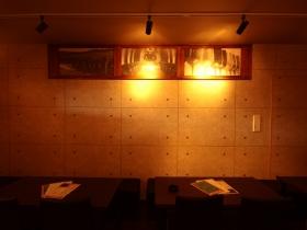 A Bar Cave riche( カーヴリシェ) 〒286-0033 (株)はやしビル〒286-0033 千葉県成田市花崎町538-1