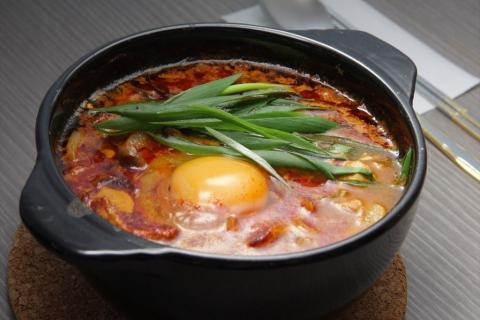 鶏が先か卵が先か 〒286-0004 千葉県成田市宗吾3-565-1